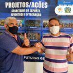 O Secretário de Esporte Idelbrando Rocha firmado a abertura do nucleo esportivo da comunidadede Algodões