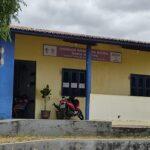 Paciente parabeniza o atendimento dos profissionais da Unidade Básica de Saúde Maria Martins em Quixeramobim