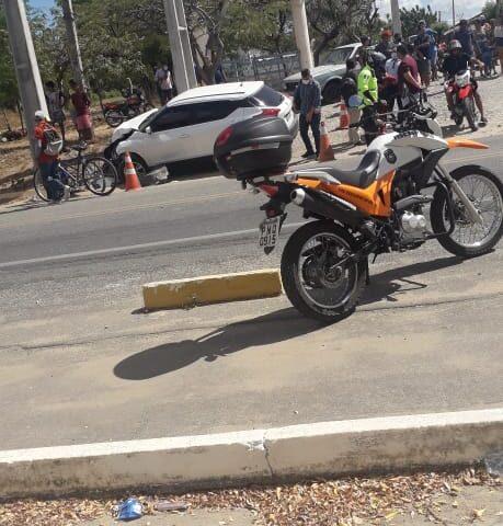 Colisão entre carro e motocicleta é registrado na CE-060 em Quixeramobim