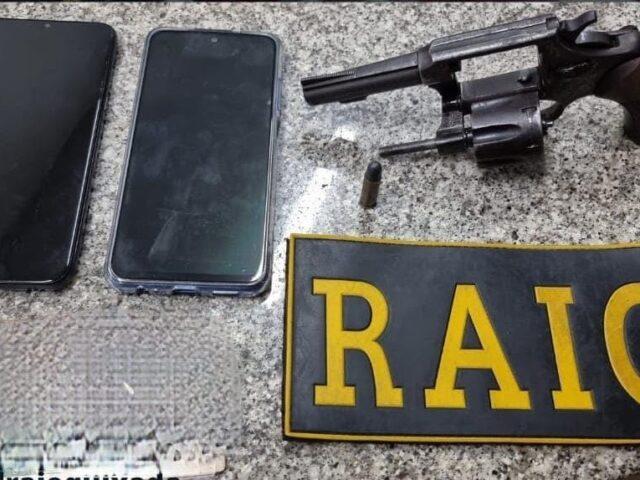 Mulher é presa por porte ilegal de arma de fogo em Quixadá